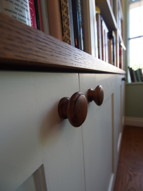 handles and stain view